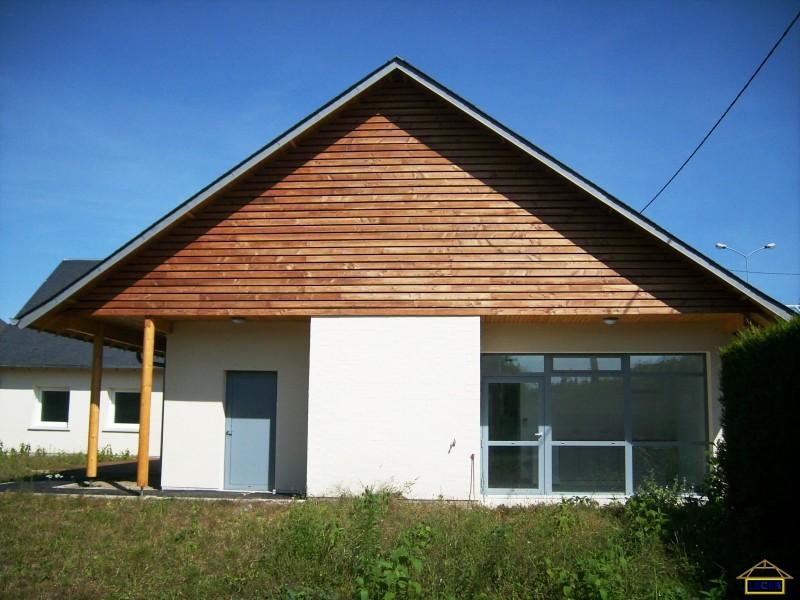 Centre médicaux psychologique à Orval (18) Bardage bois massif Mélèze huilé .JPG